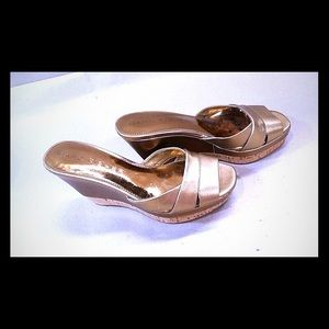 Marc Fisher golden leather wedges sz 5.5